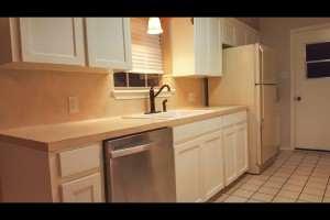 6801 N 14th Lane Kitchen3